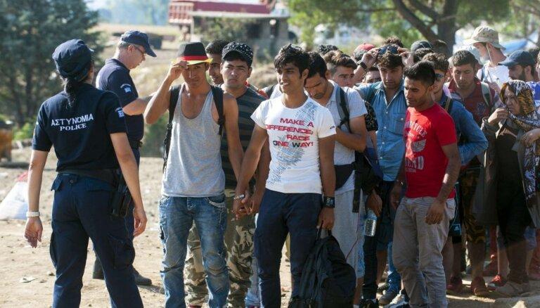 Avoti: ES iekšlietu ministri apsver atteikšanos no obligātajām kvotām patvēruma meklētāju sadalē