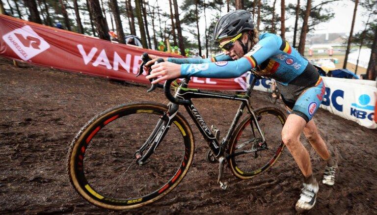 """Бельгийка признана первой велогонщицей, использовавшей """"техдопинг"""""""