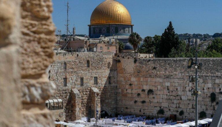 ES brīdina Serbiju par plāniem pārcelt vēstniecību Izraēlā uz Jeruzalemi
