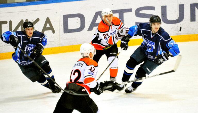 ВИДЕО: Латвийские хоккеисты провели результативные матчи в лиге ВХЛ