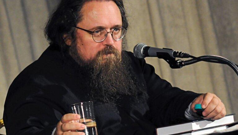Оппозиционного дьякона Андрея Кураева лишили сана