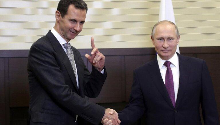 ASV un sabiedrotie izvērsuši melu kampaņu pret Sīriju un Krieviju, apgalvo Asads