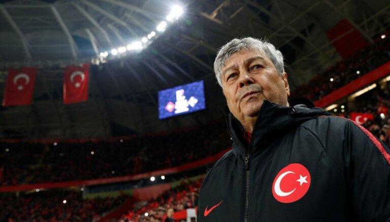 Žurnālisti ignorējuši Turcijas futbola izlases treneri Lučesku