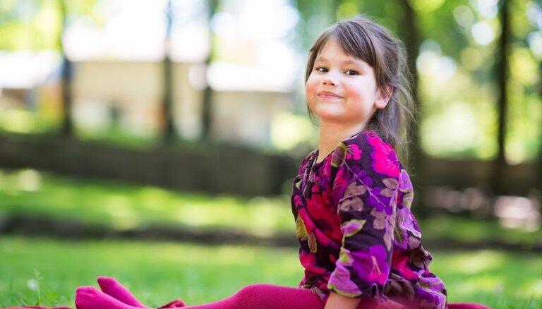 Lai sešgadniece Katrīna nezaudētu cerību staigāt, lūdz ziedot steidzamai operācijai