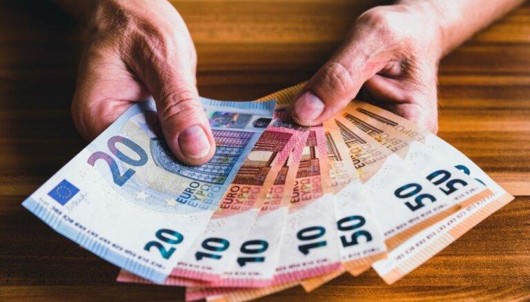 Žurnāls: OIK biznesmeņi partijām ziedojuši 1,3 miljonus eiro