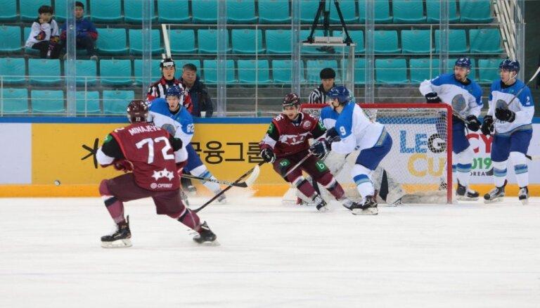 Latvijas hokeja izlase pagarinājumā zaudē Kazahstānai, turnīrā otrā vieta