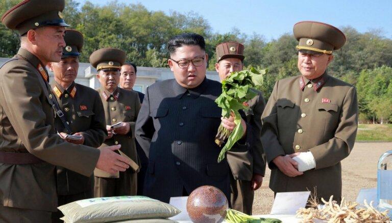 Reta atklātība: Ziemeļkoreja atzīst neveiksmes lauksaimniecībā