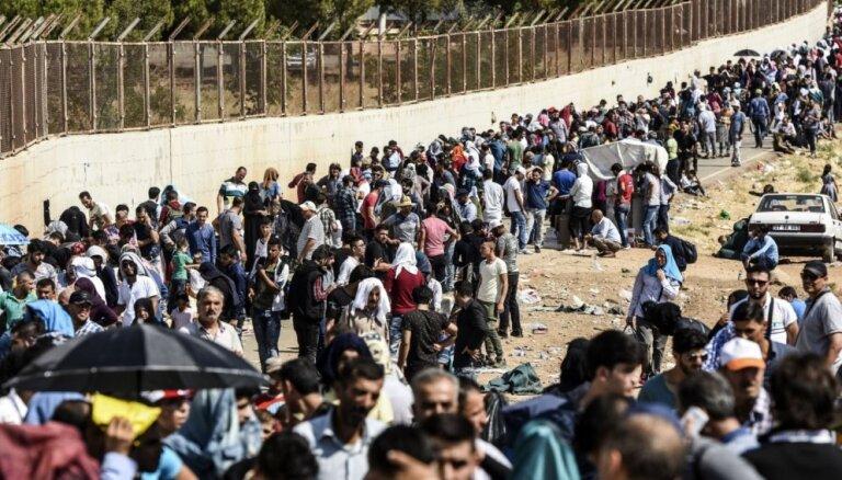 No Turcijas ofensīvas Sīrijas ziemeļaustrumos bēguši 190 000 cilvēku