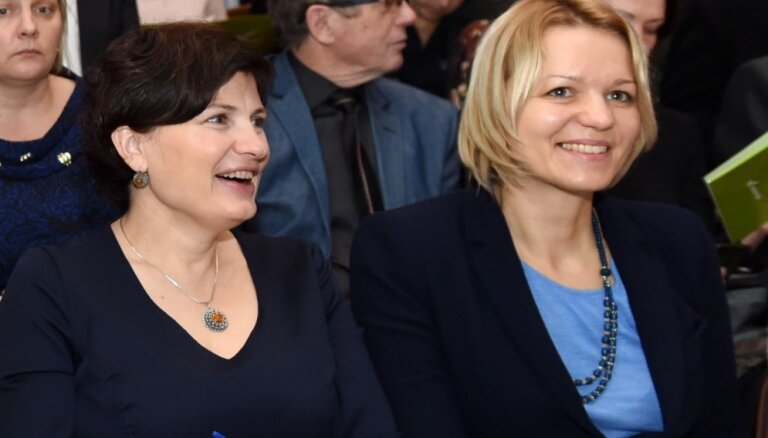 """Вопрос об исключении из """"Единства"""" Винькеле и Чигане рассмотрит комиссия партии по этике"""