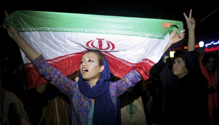 Irānas prese slavē jauno laikmetu bez Rietumu sankcijām