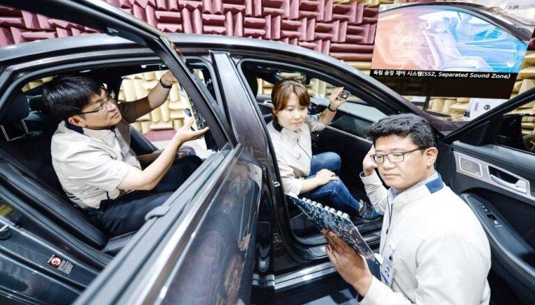 'Hyundai-KIA' auto pasažieri varēs klausīties katrs savu mūziku vienlaicīgi