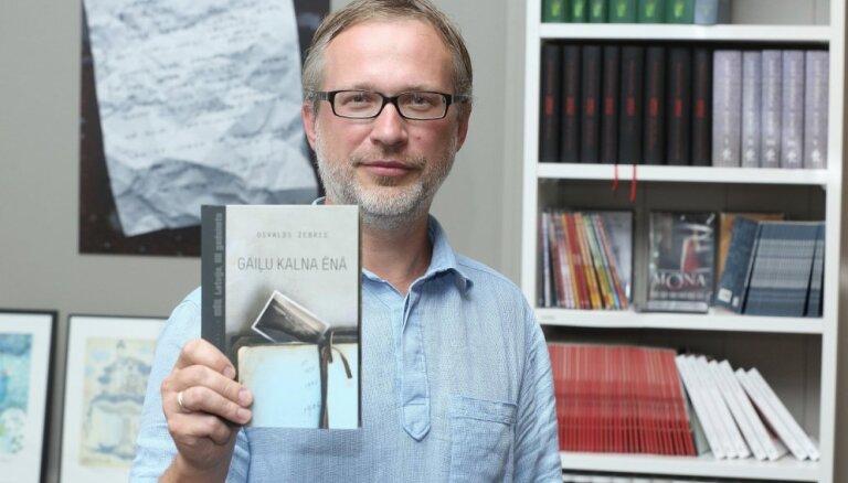 Pieci jautājumi vēsturisko romānu sērijas 'Mēs. Latvija, XX gadsimts' sācējam Osvaldam Zebrim