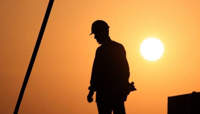 Латвийские предприятия: работников не хватает, но брать лиц, ищущих убежище, не готовы