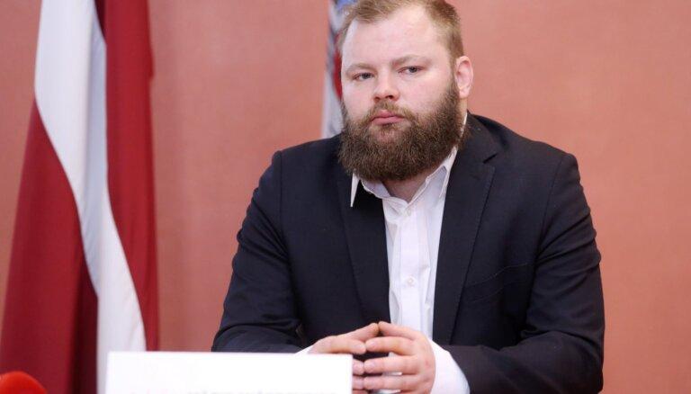 Мичеревскис: Пуце и Яунупс передавали тысячи евро наличными для пожертвований на нужды партии