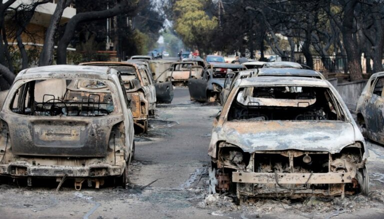 ES mobilizē atbalstu ugunsgrēku skartajai Grieķijai, Zviedrijai un Latvijai