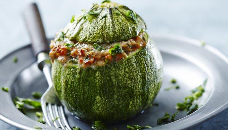 No tomātiem līdz kabačiem: pildītas dārza veltes vakariņām