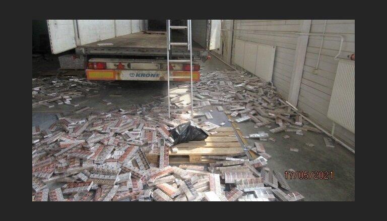 Muitnieki novērš 1,58 miljonu kontrabandas cigarešu ievešanu valstī