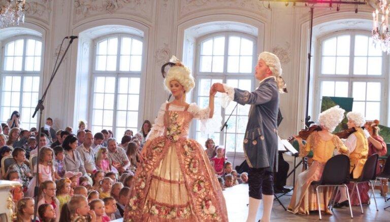 Senās mūzikas festivāla mazos apmeklētājus gaidīs 'Pasaka par kurpnieksievu un zelta kurpēm'