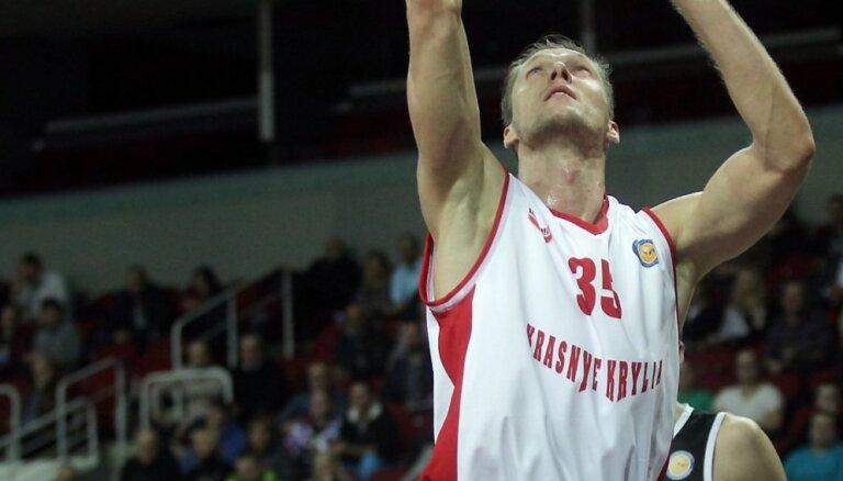 Bērziņam 13 punkti, 'Krasnije kriļja' komanda pārspēj Kazaņas 'Unics'