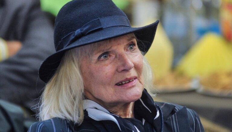 Mūžībā aizgājusi Latvijas Nacionālā teātra aktrise Ingrīda Andriņa