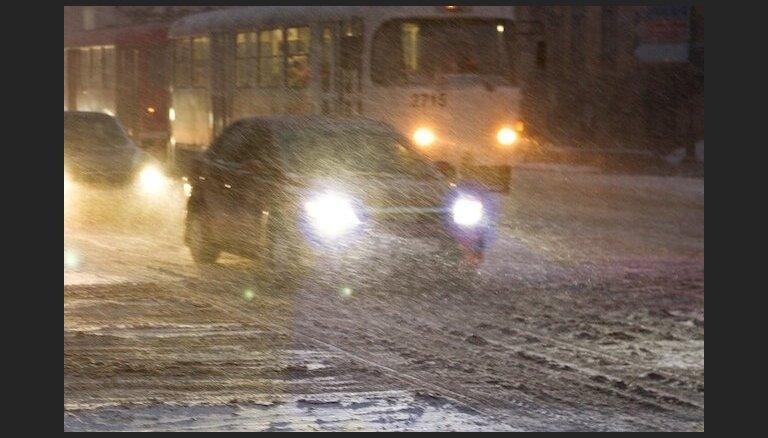 Autovadītāja redzamība – lukturi, regulējums un spuldzes