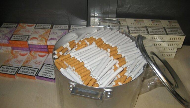 Aiztur divus Baltkrievijas un desmit Latvijas iedzīvotājus par pusmiljona kontrabandas cigarešu ievešanu