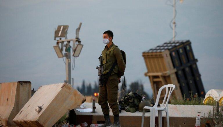 Izraēlā trāpot no Gazas joslas izšautai raķetei, ievainoti divi cilvēki