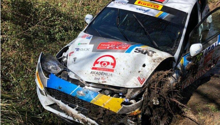 Rallijbraucēja Seska ekipāža izstājas no junioru WRC posma