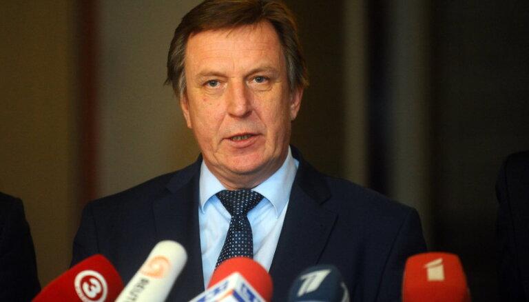 Virkne nevalstisko organizāciju Kučinskim prasa skaidrot Krieviņa negaidīto aiziešanu no amata