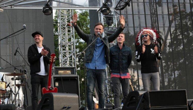ФОТО: Концерт Prāta vētra в Вентспилсе собрал 12 тысяч зрителей