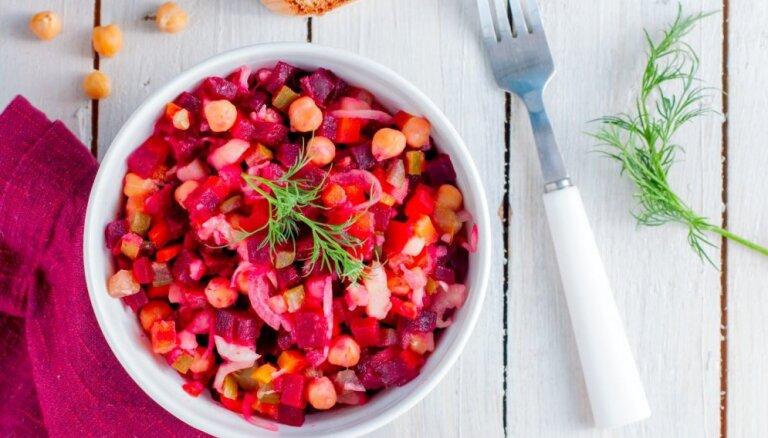 Zupa, pamatēdiens un salāti: pirmssvētku atslodzes ēdienkarte katrai nedēļas dienai