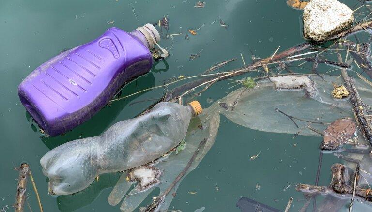 Japāna prezentē plānu plastmasas piesārņojuma mazināšanai ūdeņos
