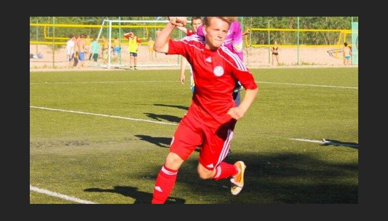 Латвийский футболист стал самым молодым автором гола в Европе