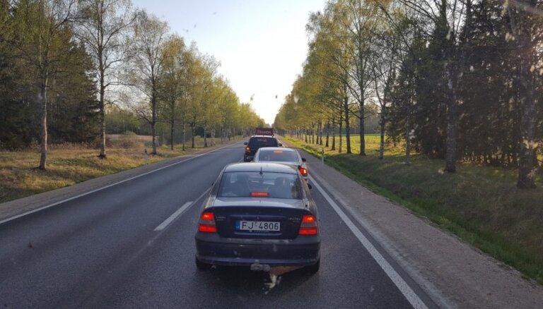 Brīvdienās, dodoties uz Siguldu, jārēķinās ar palēninātu satiksmi