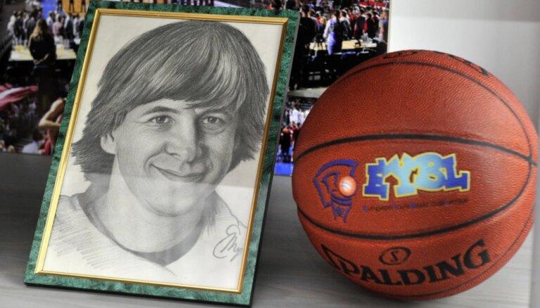 Foto: Rīgā durvis ver Basketbola muzeja bagātību krātuve