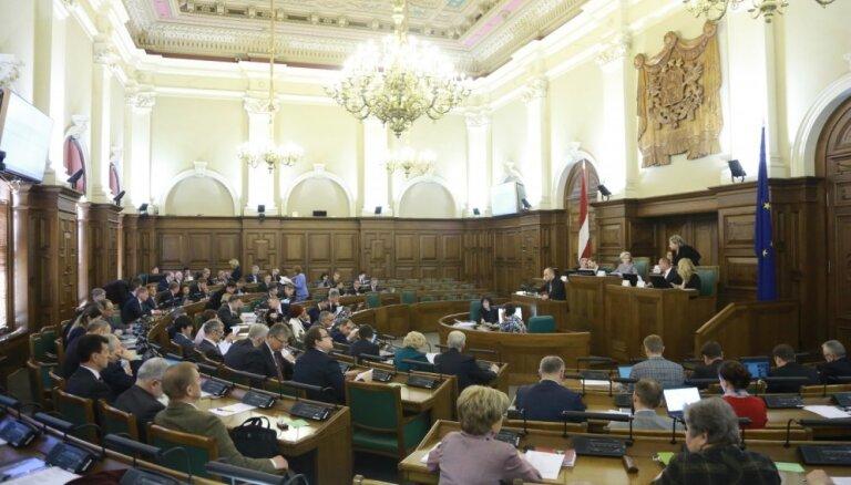Названы наиболее активно выступающие депутаты Сейма