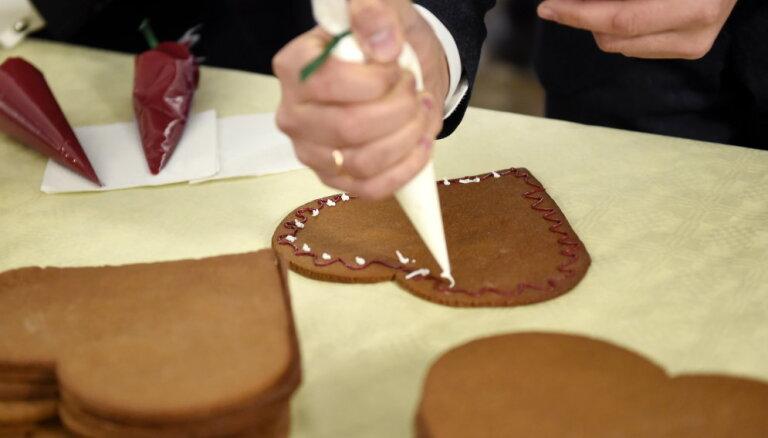 Labdarības akcijā Saeima gādā dāvanas Bērnu slimnīcas pacientiem