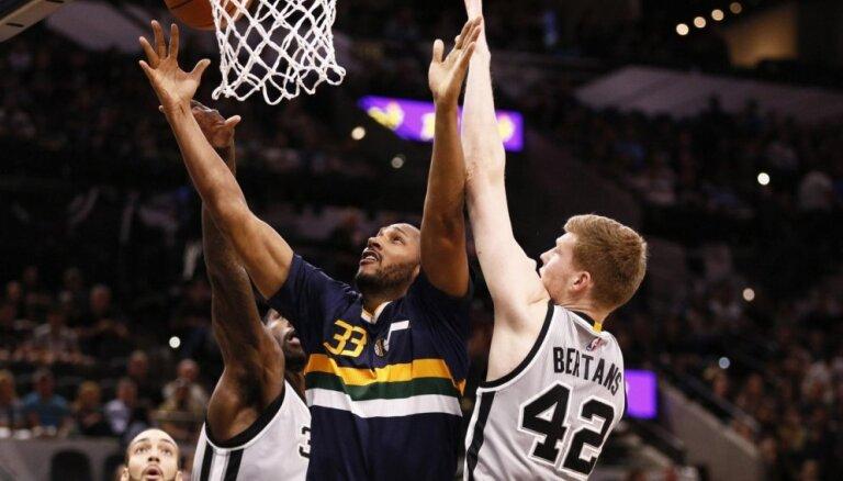 ВИДЕО: У Бертанса самое большое игровое время в дебютном сезоне НБА