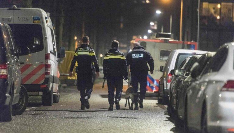 В Амстердаме неизвестный ранил ножом пять человек