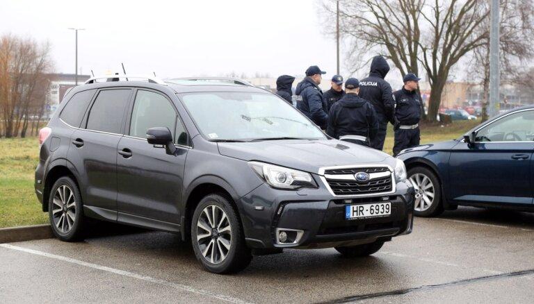 Autovadītāju pārkāpumus sāk kontrolēt ar 360 grādu kameru aprīkots netrafarēts policijas auto