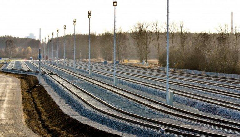 Объемы перевозок по латвийской железной дороге упали на 20%