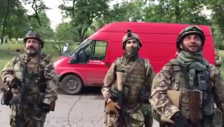 Ukrainas karavīri pārņem kontroli pār ciemu Luhanskas apgabalā