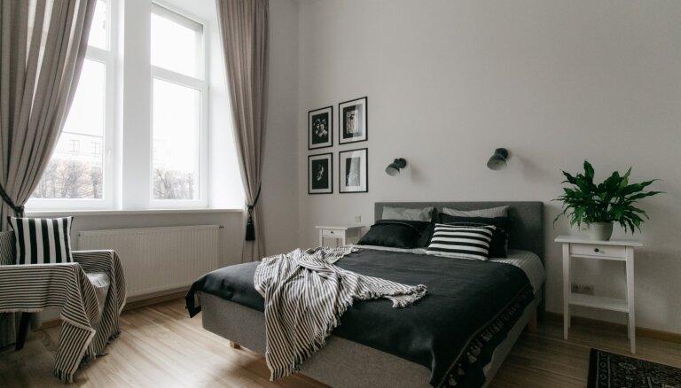 Guļamistabu iekārtojumi: kādi varianti slēpjas aiz Rīgas dzīvokļu durvīm