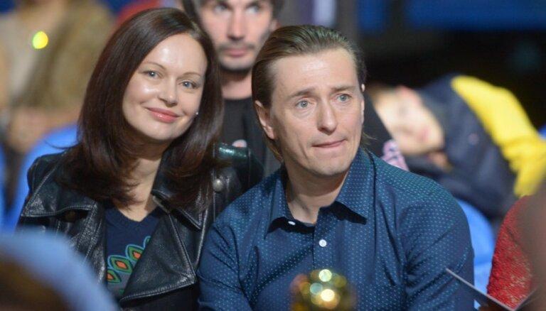 Безруков рассказал, как решился расстаться с женой Ириной