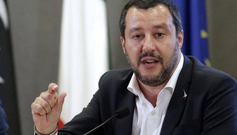 Salvīni liedz Lībijas piekrastē uzņemtos migrantus vest uz Itāliju