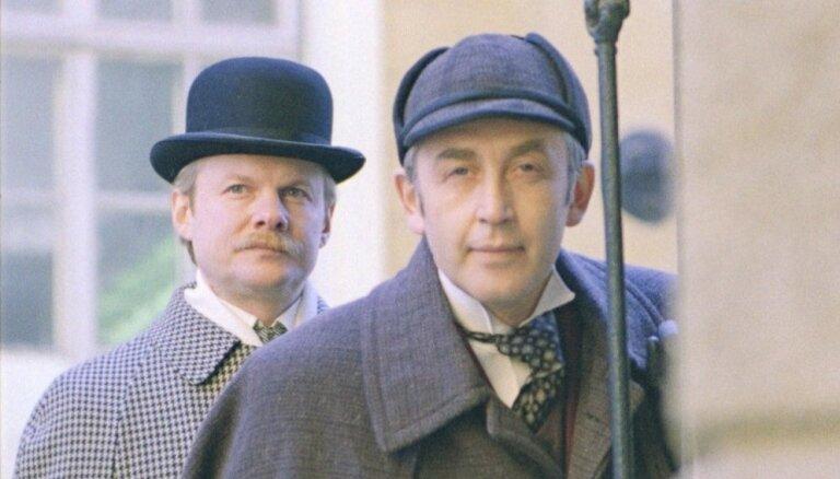 К Дню рождения Шерлока Холмса: 10 киноляпов любимого сериала