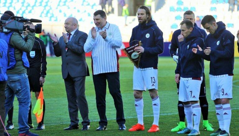 Latvijas futbolisti Vējoņa klātbūtnē apkaunojoši zaudē Gruzijai