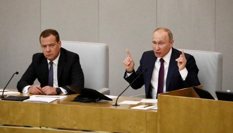 Krievijas Valsts dome apstiprina Medvedevu premjera amatā