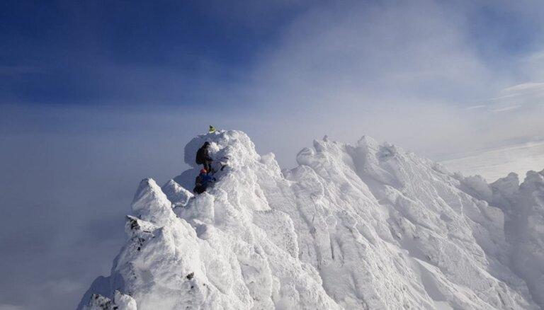 Sniegā līdz ausīm: Slovākijas Augsto Tatru iepazīšana ziemā