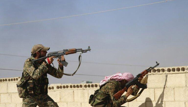 Sīrijas režīma spēki iekaro pilsētu Hamas provincē